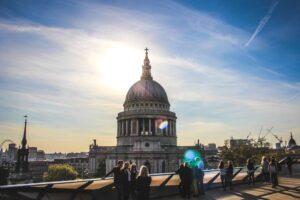 Tourists in london near St Pauls